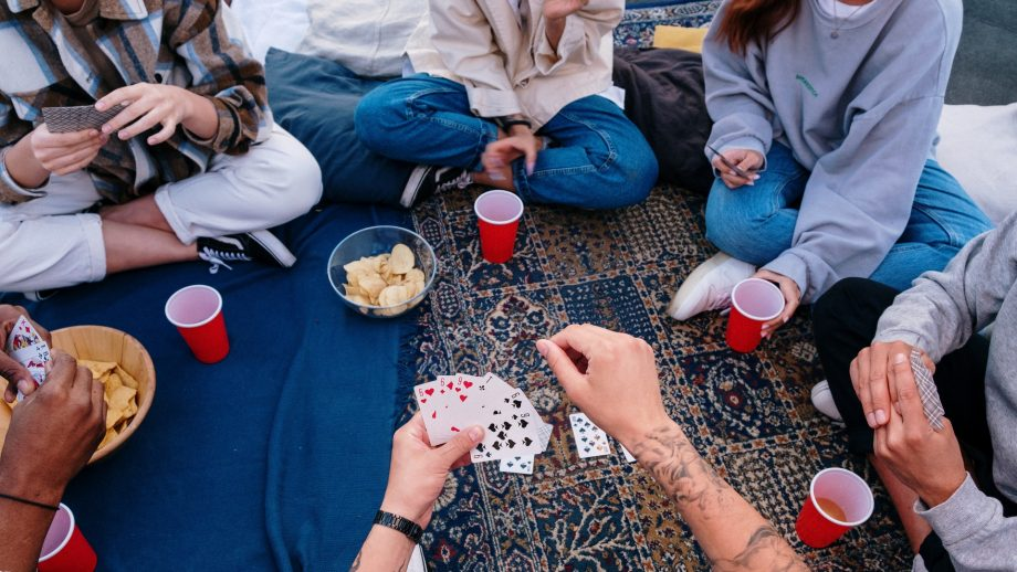 Why Is It Fun To Play On An Online Casino?